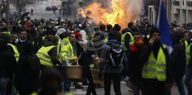 مشارکت 25 هزار نفری جلیقه زردها در تظاهرات فرانسه