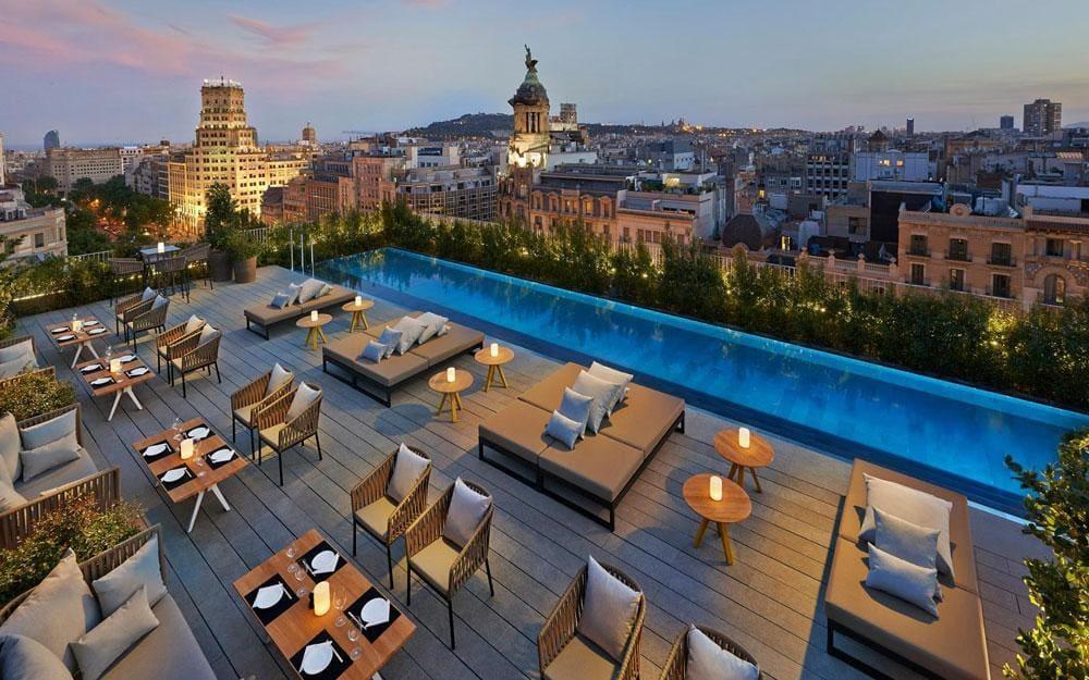 هتل ها و تفریحات مناسب ماه عسل در بارسلون